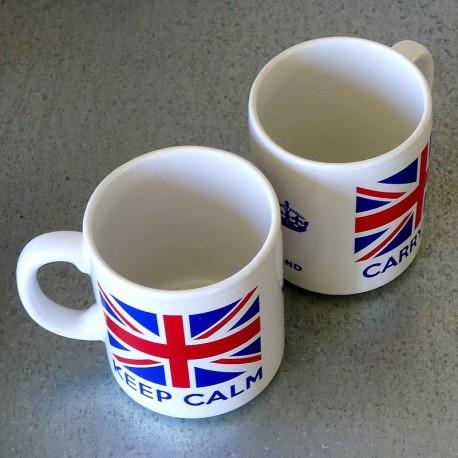 Mug en grès Keep Calm And Carry On UK
