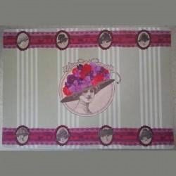 Set table chapeaux fleuris