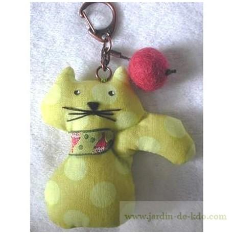Porte clés chat vert fait artisanalement