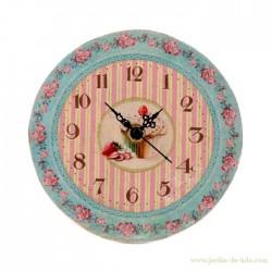 Horloge ronde gâteau à la fraise cupcake